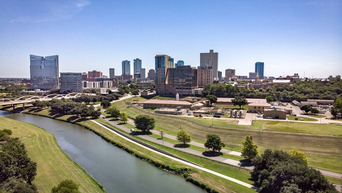 Fort Worth Cityscape at Sunrise | Bee Creek Photography